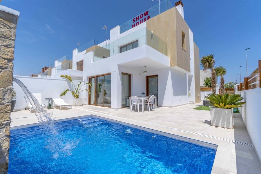 Detached Villa with Pool, Torre de la Horadada