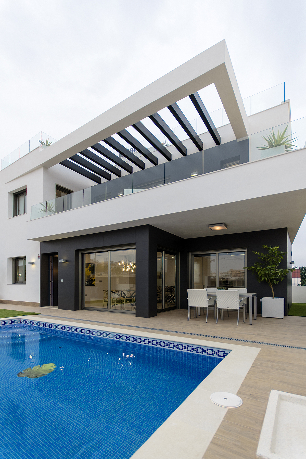 Modern Detached Luxury Villa in Villamartin