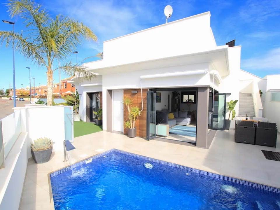 Roda 3 Bedroom Luxury Villa 1