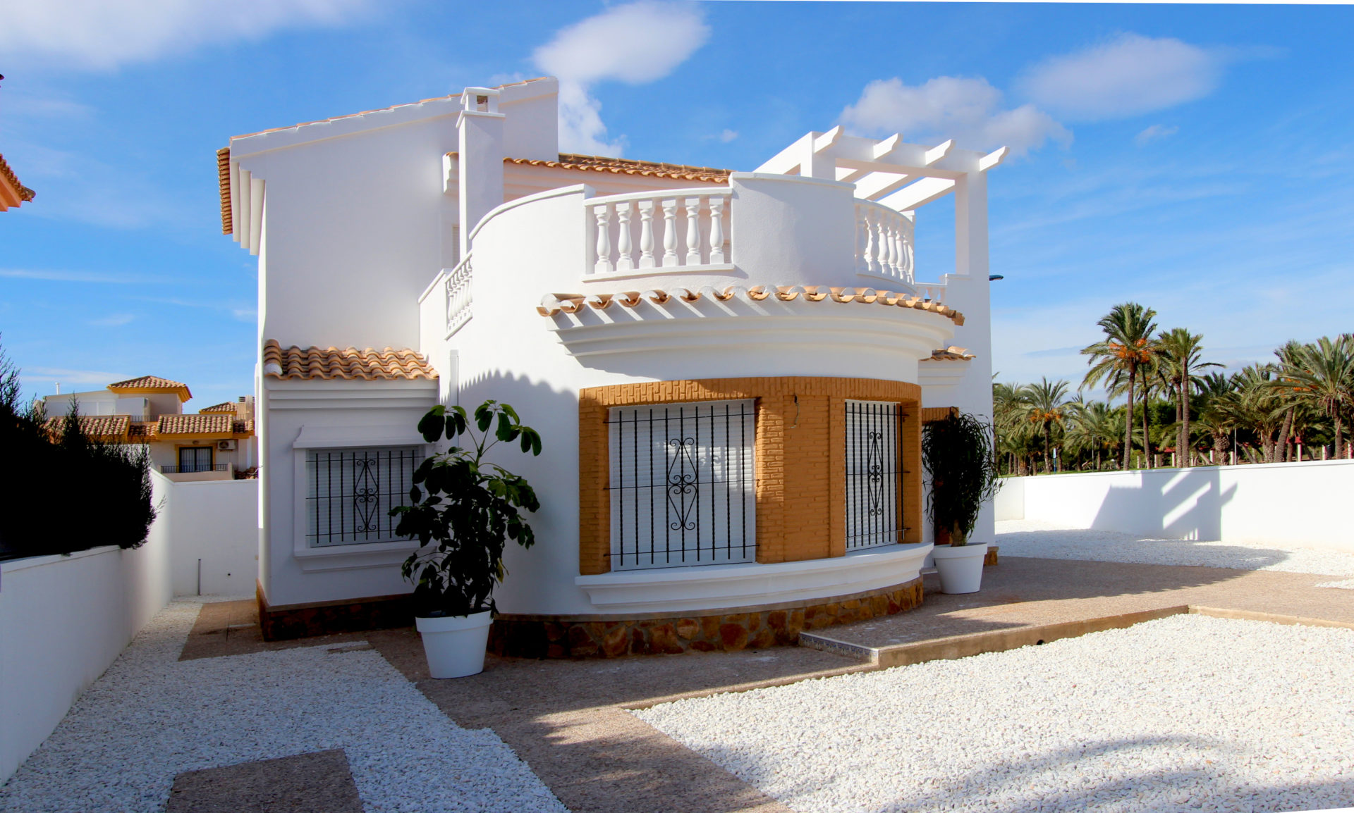 Amazing 3 Bed 2 Bath Villa on Large Plot