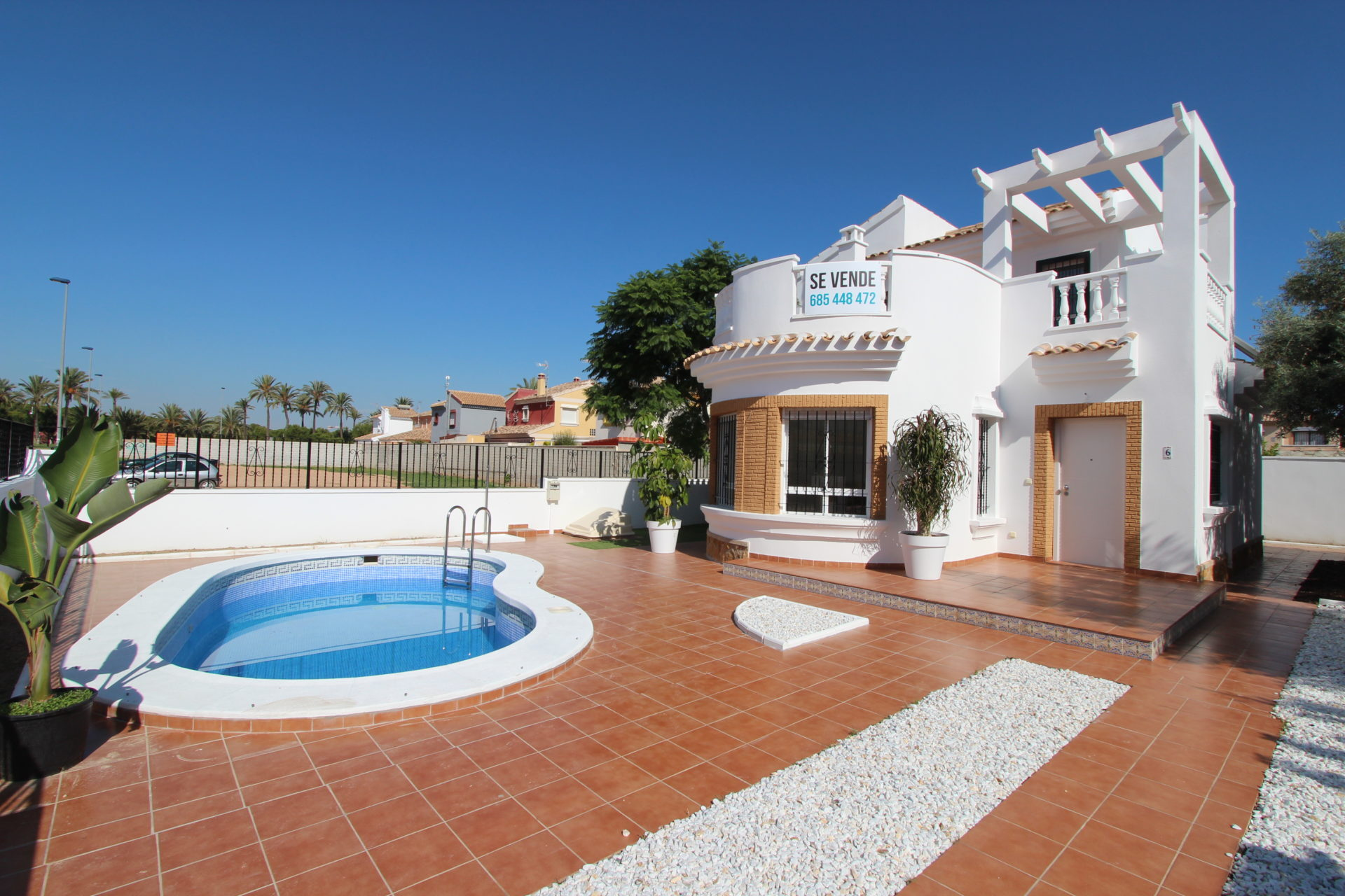 Beautiful Detached 3 Bed 2 Bath Villa with Private Pool