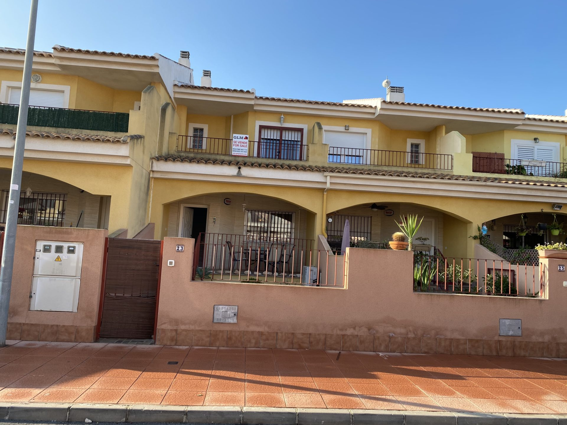3 Bedroom Townhouse with Communal Pool
