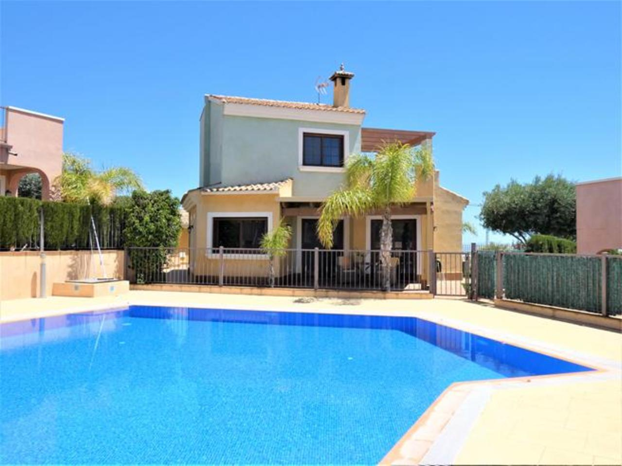 3 Bedroom, villa – Altaona Golf