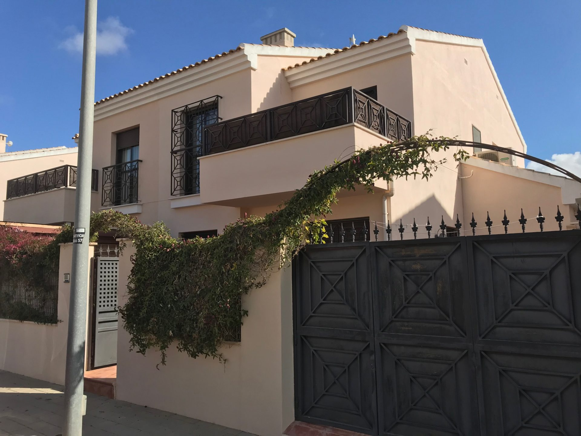 3 Bed 2 Bath Quad House San Cayetano 1