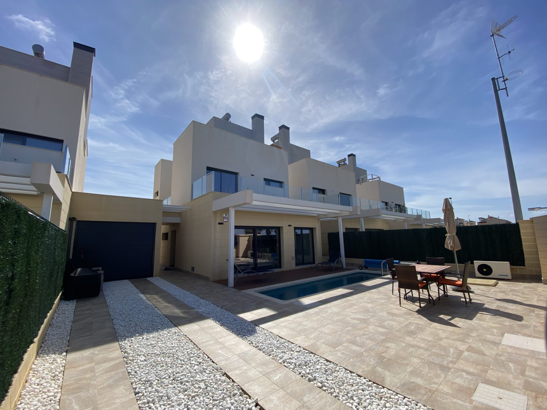 3 Bedroom Villa with Private Pool in Los Alcazares